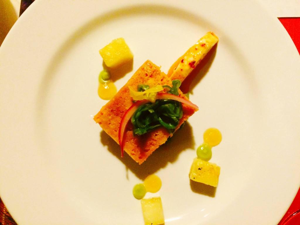 Tamal Potosino con salsa fresca molcajeteada, paired with a Cab Sauvignon, V Rosado
